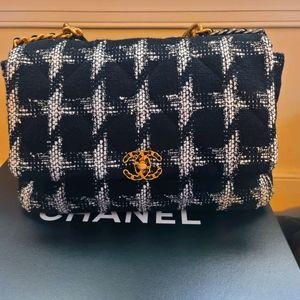 Brand New Maxi Chanel 19 Black and White Tweed Bag